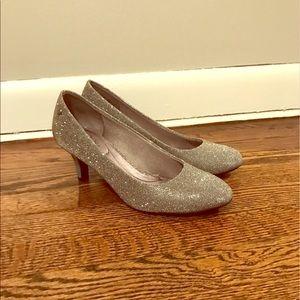 Life Stride silver heels